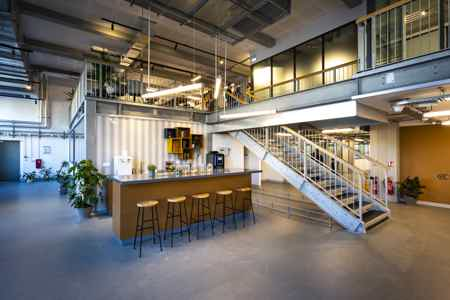 Loft industriel cité numérique -12 postes-8