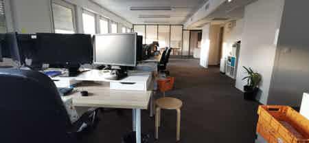 Bureaux à partager avec 2 super Startups-1