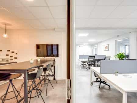 Grand bureau indépendant - Paris 75010-2
