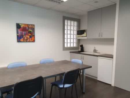 Bureau 22 m2 avec services mutualisés-1