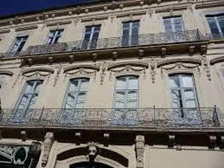 Un immeuble haussmannien, charme de l'ancien et modernisme de l'équipement pour votre bureau coeur de ville