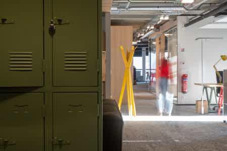 Lyon 7 Gerland - postes bureaux  en fixe