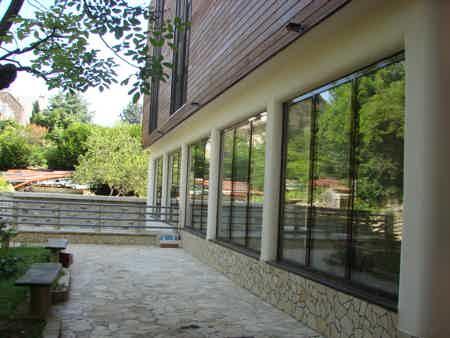 bureau ferme 75 m2 sur terrasse et jardin-4