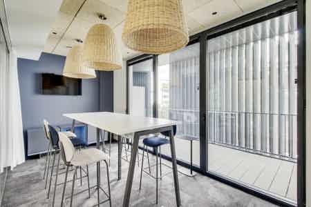 Bureau privatif 5p avec terrasse privée-3