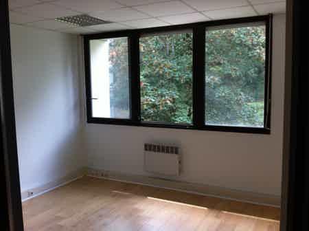 couloir accès aux bureaux