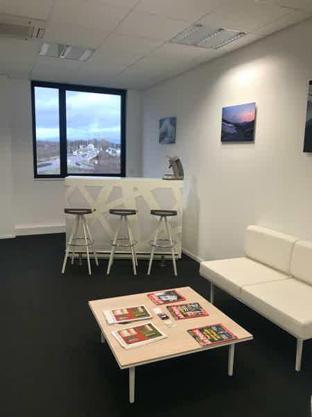 Bureau à Metz | 2 personnes l 15m² | 375€-5